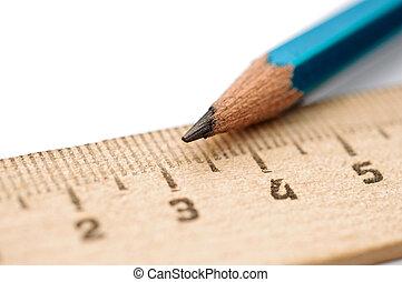 closeup, legno, righello, matita, bianco