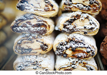 italian cookies with almonds and chocolate