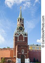 Spasskaya tower of Moscow Kremlin - Closeup of Spasskaya ...