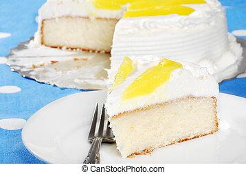 closeup of vanilla lemon cake