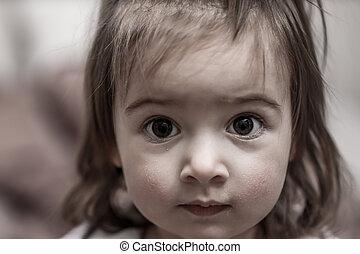 closeup, porträt, von, a, kleines mädchen, fokus, auf, der, augenpaar