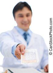 closeup, su, mani, di, dottore medico, con, prescrizione