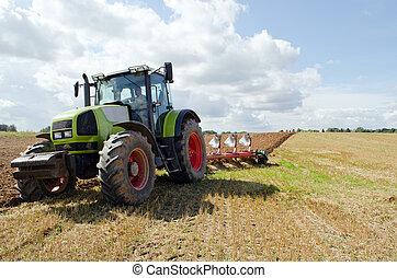 closeup, trator, arar, campo agrícola, outono