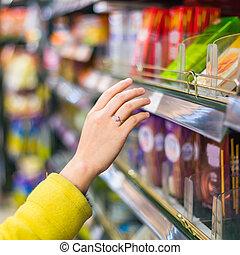 closeup, udvælgelse, i, merchandise, ind, den, supermarked