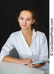 closeup, verticaal, van, jonge, vrouwlijk, medische werker, in, kantoor
