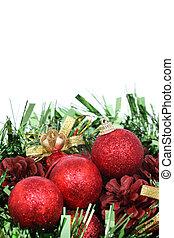 closeup, von, rotes , weihnachten, kugeln, weiß, hintergrund