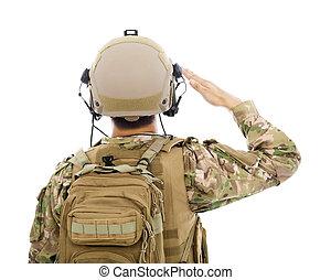 closeup, von, soldat, in, militärische uniform, salutieren