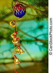closeup, von, wenig, glocken, weihnachtsbaum, ornament.