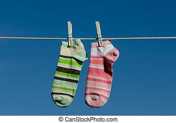 clothespins, calzini, e, cielo