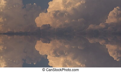 Cloud timelapse reflection - Timelapse of reflection of...