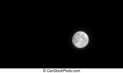 moon - Clouds slowly moving in front of the moon (Night...
