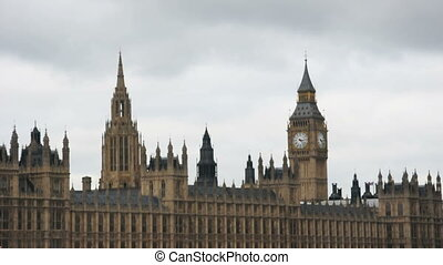 Cloudy Parliament - Timelapse of clouds going over...
