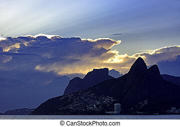 Cloudy sunset at Ipanema beach