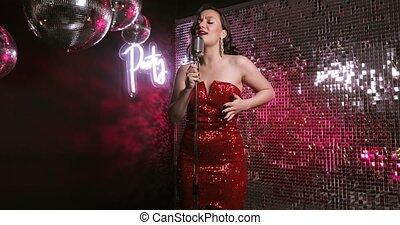club., femme, chanteur, étape, chanson, chant, nuit, microphone, danse