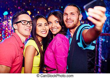 club, selfie