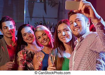 club, smartphone, amis, lunettes