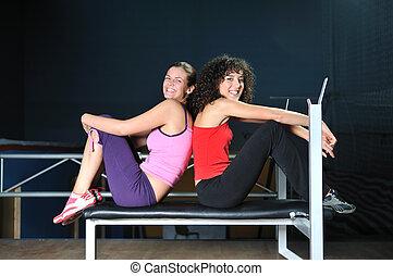 club, travail, deux, fitness, dehors, femmes