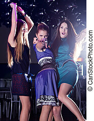 Clubbing - Funny girls dance and enjoy life