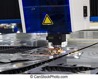 cnc, laser industriale, taglio, acciaio, metallo, con, luminoso, scintille