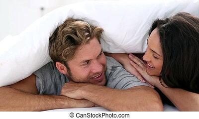 co, séduisant, couple, confortable, sous