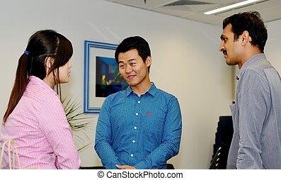 co-workers, három, beszélgető