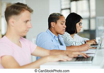 co-working, ludzie, młody, przestrzeń