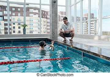 coachend, zwemmer