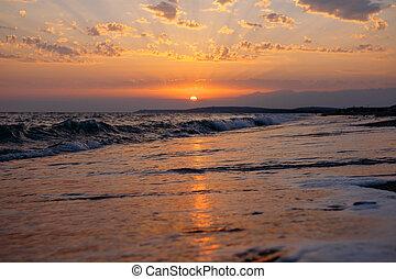coastline., πάνω , ηλιοβασίλεμα , θάλασσα