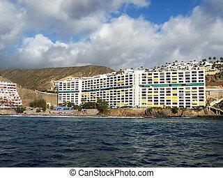 Coastline Hotel - A hotel by the coast in Gran Canaria.