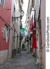 cobblestone, alfama, rua, com, lavanderia, penduradas
