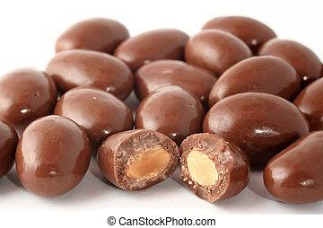 coberto, amêndoas, chocolate