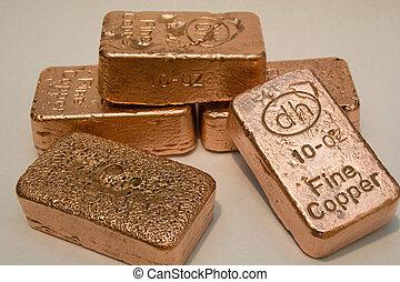 cobre, barras, oro y plata en metálico, puro