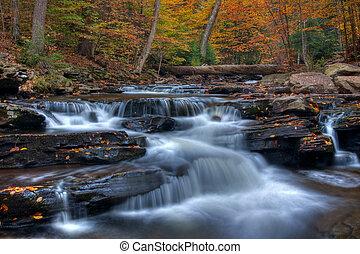 cocina, riachuelo, cascadas, en, otoño