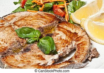 cocinado, pez espada