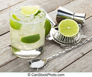 cocktail, klasyk, drewniany, wieniec, słony, stół, margarita