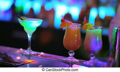 cocktails, barre, jaune