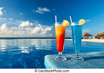 Cocktails near swimming pool - Cocktails near the swimming ...