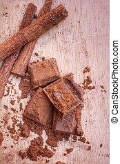 Cocoa and cinnamon sticks