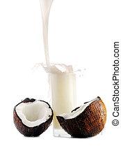 coconut juice pour in glass - coconut juice pour into glass