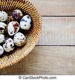 codorniz, ovos, em, um, cesta, vista superior