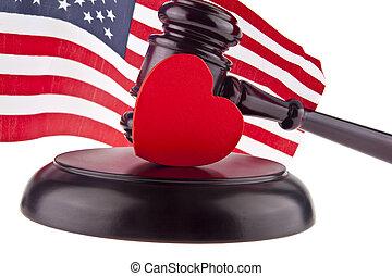 coeur, bois, drapeau, isolé, nous, fond, blanc, marteau