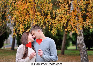 coeur, concept, amour, couple, automne, park., rouges, aimer
