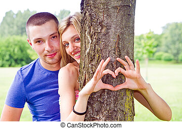 coeur, couple, arbre, leur, forme, mettre, mains