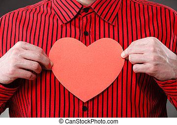 coeur, fait, papier, tenant mains, homme