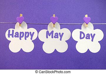 coeur, fleur, salutation, pourpre, ligne, écrit, travers, premier mai, celebration., 1, pendre, cartes, message, chevilles, blanc, jour, heureux