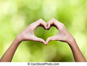 coeur, mains étreintes, former