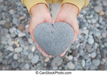 coeur, pierre, formé, -, tenant mains