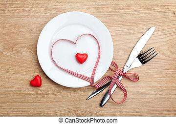 coeur, plaque, valentine, sur, formé, ruban, silverwa, jour, rouges