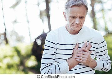 coeur, retraité, souffrance, attaque, dehors, accablé