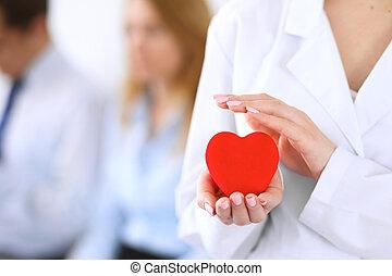coeur, sien, tenue, docteur, femail, patient., fond, mains, ...